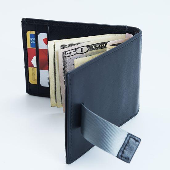 ארנק עור חכם שמונע סריקת (RFID)